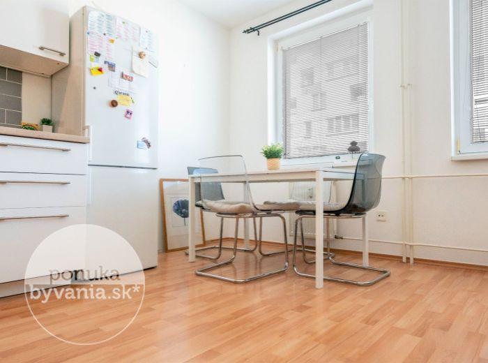 MRAZIARENSKÁ, 2-i byt, 57 m2 - komplet zariadený, BALKÓN, voľný od 1.8., PROVÍZIU NEPLATÍTE