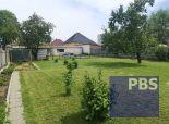 --PBS-- DVOJGENERAČNÝ rodinný dom s veľkorysým pozemkom o výmere až 1200 m2 v obci ZAVAR