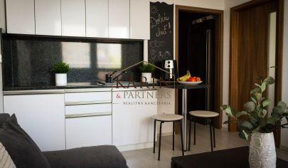 REZERVOVANÉ 1-izbový zariadený byt v novostavbe s balkónom