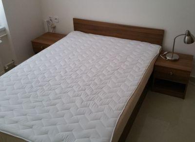 Ponúkame na prenájom 3 izbový byt v širšom centre mesta