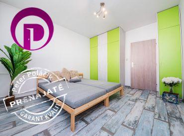 PRENAJATÉ: PROVÍZIU NEplatíte:  Prenájom svetlého a priestranného 3i bytu s loggiou v príjemnom a pokojnom prostredí plnom zelene
