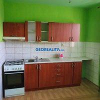 4 izbový byt, Levice, 95 m², Čiastočná rekonštrukcia