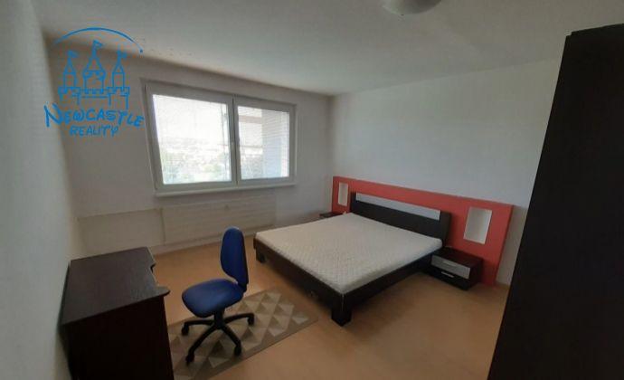 Veľký 3 izbový byt na prenájom klokočina