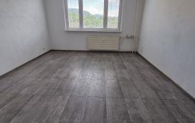 Na prenájom 3 izbový byt s loggiou, kompletná rekonštrukcia, 68 m2, Dubnica nad Váhom -  Pod Hájom.