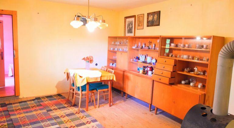 Na predaj rodinný dom vhodný aj na chalupu v obci Dobroč