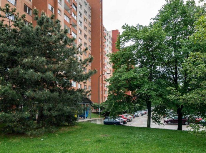 REZERVOVANÉ - LACHOVA, 2-i byt, 55 m2 - VEĽKOKAPACITNÉ PARKOVISKO, Chorvátske rameno, električka, VOĽNÝ IHNEĎ