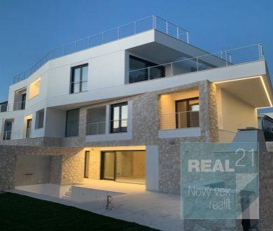 Ponúkame na predaj luxusné apartmány pri meste Zadar.
