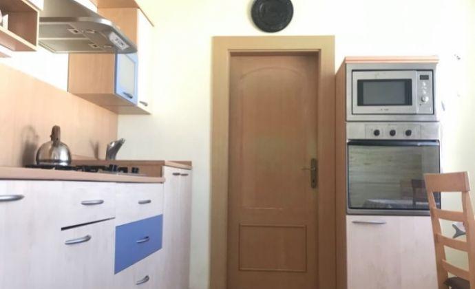 Veľký 3,5 izbový byt na predaj Chrenová