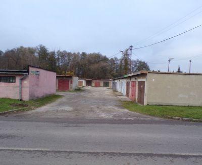 Na prenájom garáž s elektrikou 22 m2 Prievidza FM1092