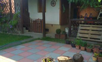Predaj peknej chatky s udržiavanou záhradou Nové Zámky