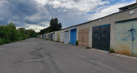 Na predaj garáž 19 m2 s montážnou jamou Prievidza FM1093