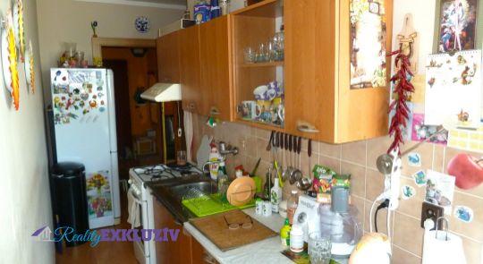Na predaj 3 izbový byt v meste Lučenec, s balkónom...