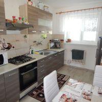 2 izbový byt, Žiar nad Hronom, 61 m², Čiastočná rekonštrukcia