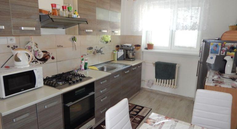 EXKLUZÍVNE-MASTER REAL- Na Predaj 2-izbový byt  s loggiou, 72 m2, Žiar nad Hronom