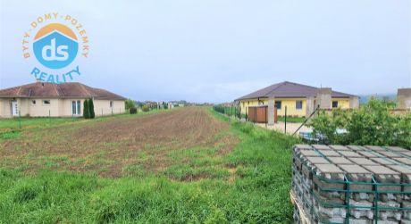 Na predaj stavebný pozemok 2.556 m2, Slavnica