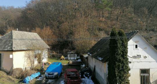Predaj,dva staršie domy v Poltári