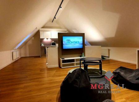 Prenájom podkrovného bytu  80 m2 v centre Trnavy