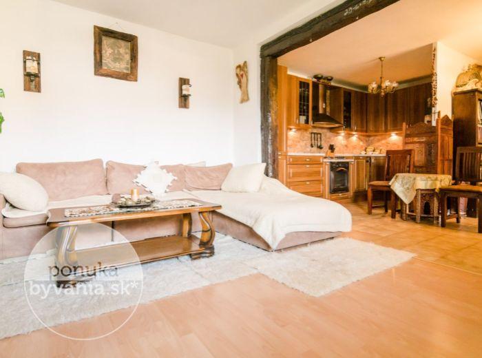 VIŠTUK, 5-i dom, 236 m2 - or. JUH-ZÁPAD, vinárska oblasť, VEĽKÁ ZÁHRADA 665 m2, BAZÉN