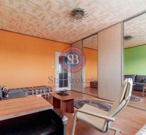 REZERVOVANÉ - 3 izb. byt s loggiou, Vrakuňa, ul. Jedľová, rekonštrukcia