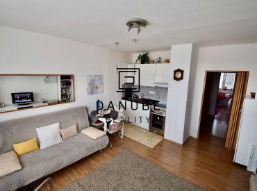 Predaj 2-izbový byt /dvojgarsónka/ 43 m2 na Hraničnej ulici, Bratislava-Ružinov.