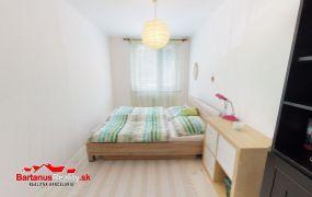 Na predaj 3 izbový byt s veľkou loggiou - čiastočná rekonštrukcia, 64 m2, Trenčianske Teplice - štvrť SNP.