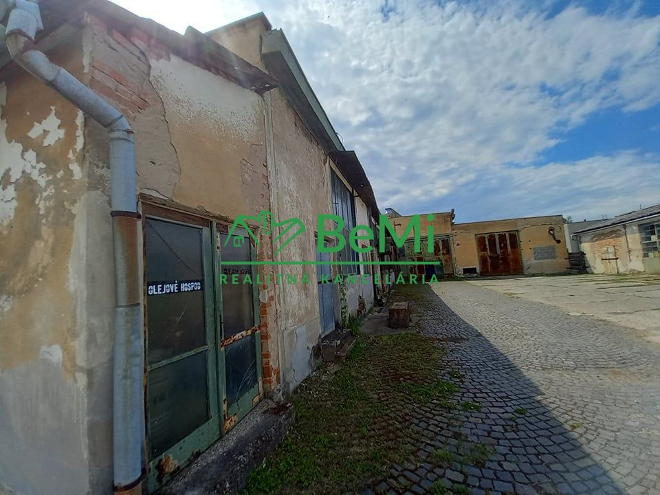 Predáme prevádzkový areál - Šahy (008-18-ERGA)
