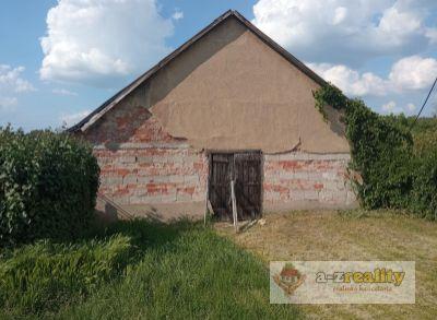 Ponúkame na predaj poľnohosp. objekt v Komárne