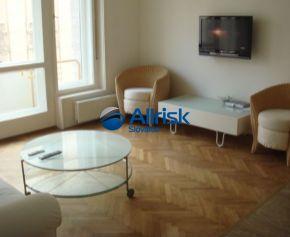 3 izbový byt v Historickom centre Bratislavy pri pešej zóne
