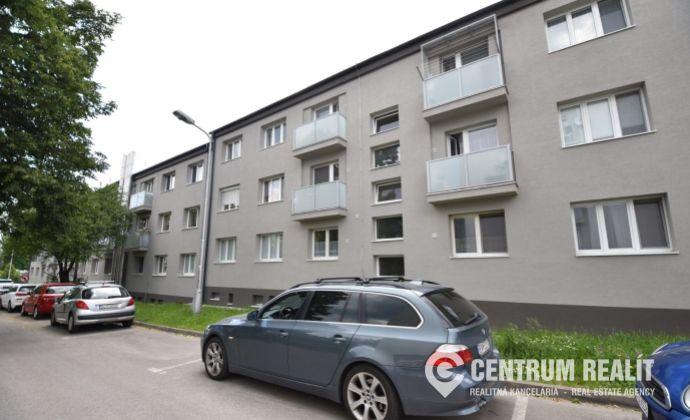 REZERVOVANÉ: 2 izbový byt v tehlovom dome, TOP lokalita - Biely Kríž , BA - Nové Mesto