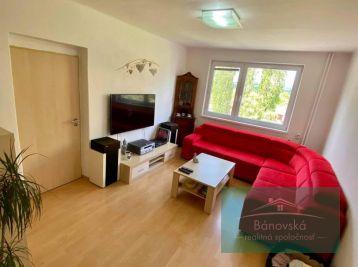 NOVÁ CENA/Bánovce nad Bebravou/ centrum 3 izbový byt s loggiou na predaj