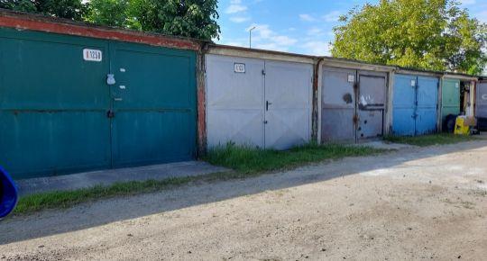 Na predaj 2 garáže spolu Prievidza FM1098