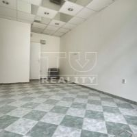Obchodné, Zvolen, 16 m², Čiastočná rekonštrukcia