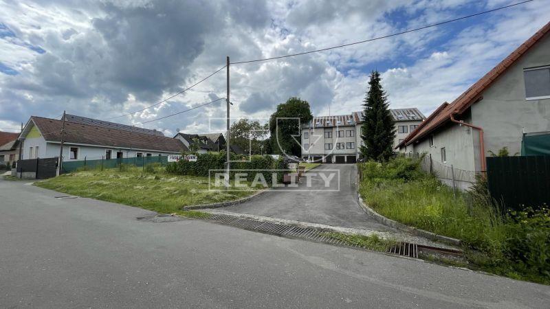 INVESTIČNÁ PRÍLEŽITOSŤ vo Zvolene v časti Môťová, Administratívna budova s pozemkom, 2 783 m2