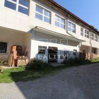 Obchodné, Ružomberok, 1178 m², Čiastočná rekonštrukcia