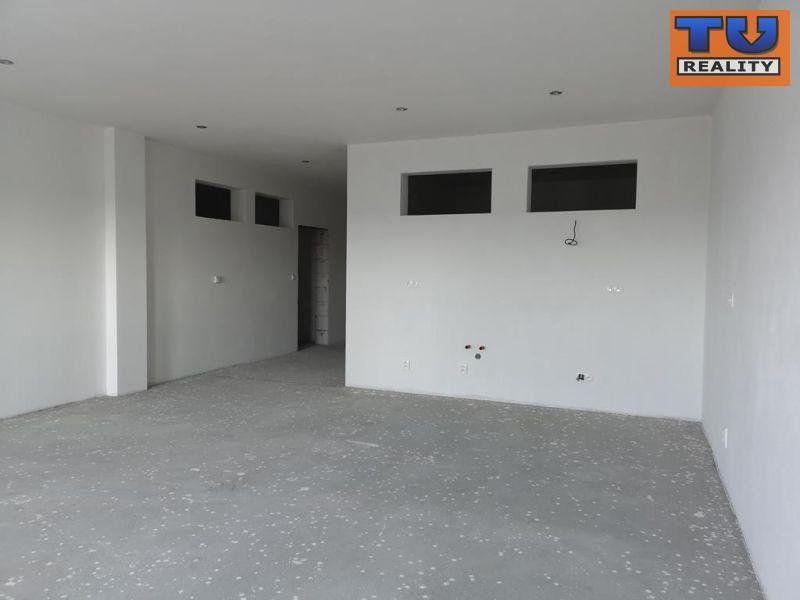 EXKLUZÍVNA TOP PONUKA ! NITRA - Lukov Dvor, 5i nadštandartný byt v bytovom komplexe  s garážou, 186 m2