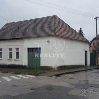 Rodinný dom, Hlohovec, 550 m², Čiastočná rekonštrukcia
