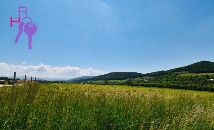 Pozemok v krásnej obci Cetuna na predaj, rozloha 4949m2