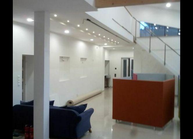 administratívna budova - Bratislava-Lamač - Fotografia 1