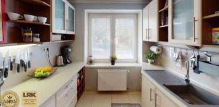 Na predaj 3 izbový byt s výbornou dispozíciou po rekonštrukcii na ulici Gen. Viesta - mestská časť Sihoť 1 o rozlohe 78 m2.