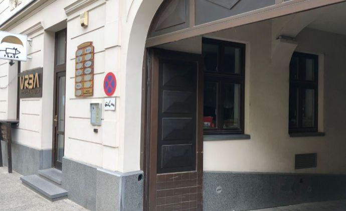 Kaviareň, shop, obchodný priestor - Panenská ulica, prízemie + suterén - spolu 112,2 m2.