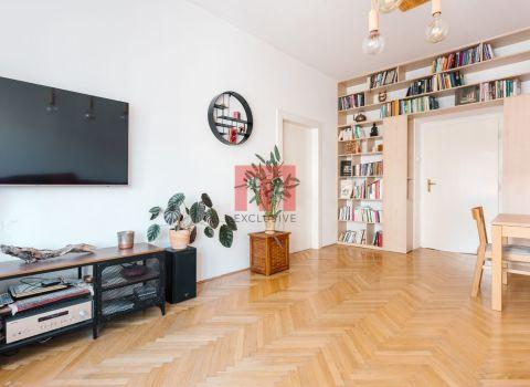 Na prenájom krásny staromestský 2 izbový byt s vysokými stropmi na Povrazníckej ulici
