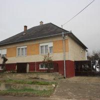 Rodinný dom, Veľké Kostoľany, 160 m², Čiastočná rekonštrukcia