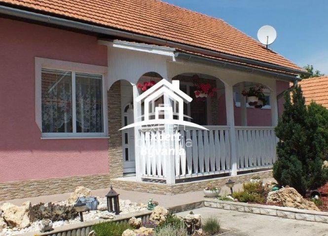 Rodinný dom - Jur nad Hronom - Fotografia 1