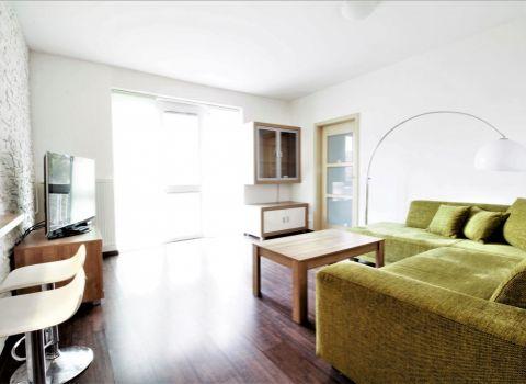 Na prenájom slnečný 2 izbový byt v obľúbenej lokalite Ružinova