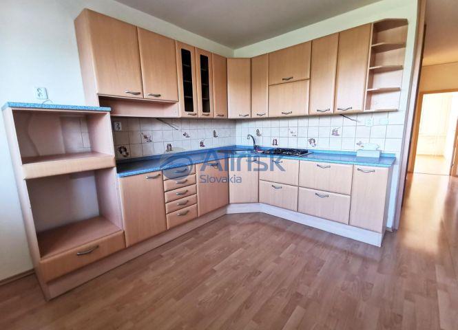 3 izbový byt - Šaľa - Fotografia 1