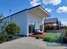 PREDAJ - SENEC Gardens - nízkoenergetický zariadený 3 izbový RD s terasou na 313 m2 pozemku - v Senci