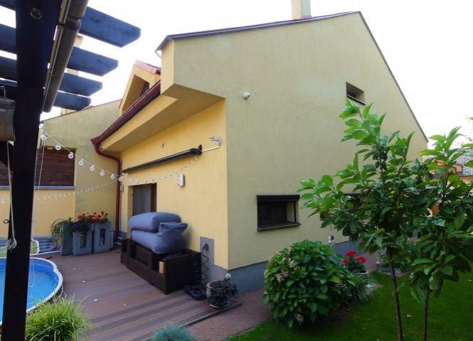 Rodinný dom - Stupava - Fotografia 1
