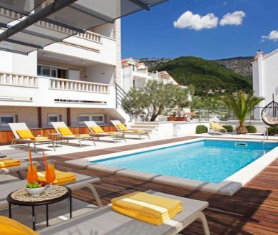 Ponúkame na predaj dvojizbové apartmány na ostrove Brač.