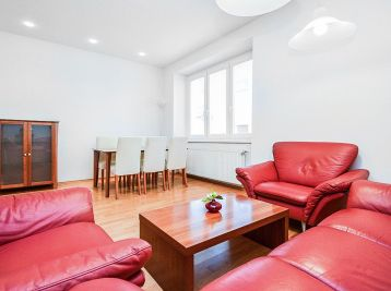 PROMINENT REAL prenajme pekný 2 izb. byt na Koreničovej ulici v BA I.