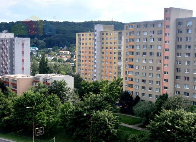 3 izbový byt - Bratislava-Dúbravka - Fotografia 1
